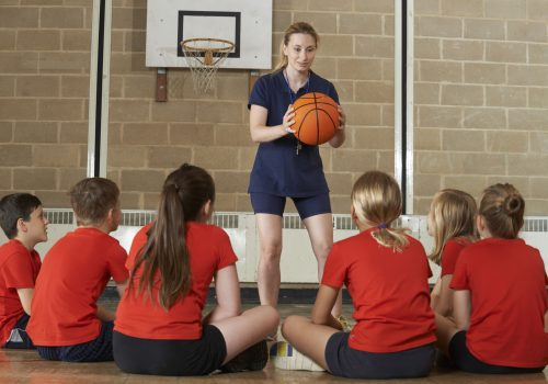 http://www.beylikduzuamerikankoleji.com/wp-content/uploads/2018/02/44913355-Coach-Giving-Team-Talk-To-Elementary-School-Basketball-Team-Stock-Photo-500x350.jpg